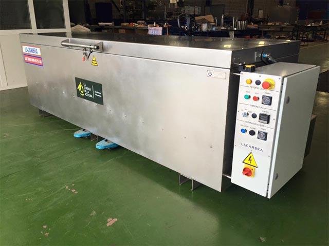 Lavadora Automática para Envases y Tapas de Plástico